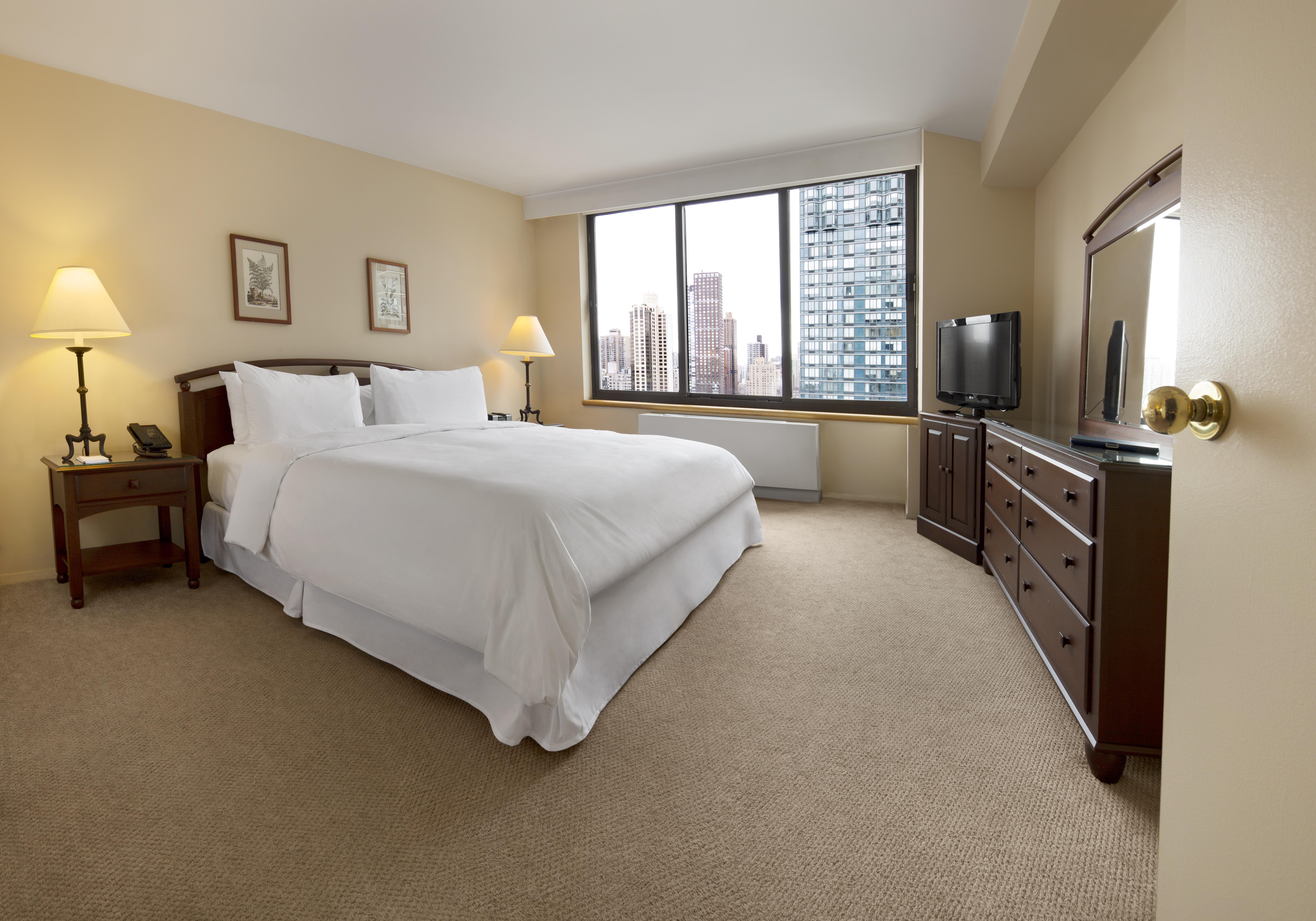2 Bedroom Suites Nyc Two Bedroom Suite 1 169 New York Com